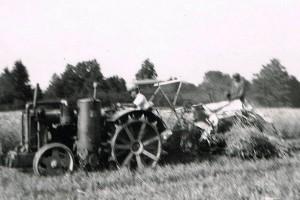 1945 Traktor med självbindare
